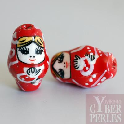 Perle poupee russe en porcelaine - rouge