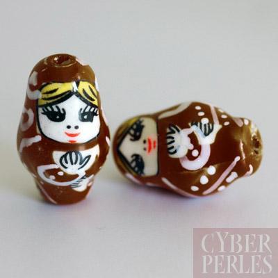 Perle poupee russe en porcelaine - marron