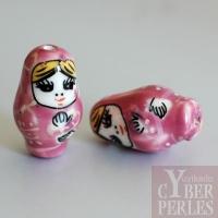 Perle poupée russe en porcelaine - rose
