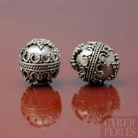Perle de Bali ouvragée en argent