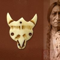 Pendentif crâne de buffle en os gravé