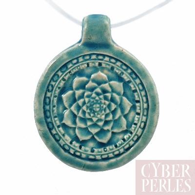 Pendentif en ceramique raku - mandala lotus
