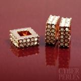 Perle dorée or rose - anneau carré pavé de strass blancs
