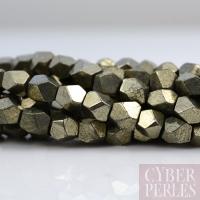 Cylindres facettés en pyrite