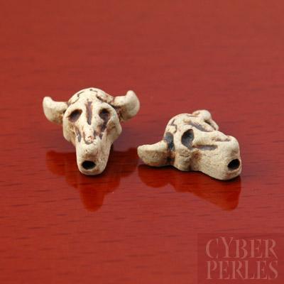 Perle en ceramique raku - crane de taureau